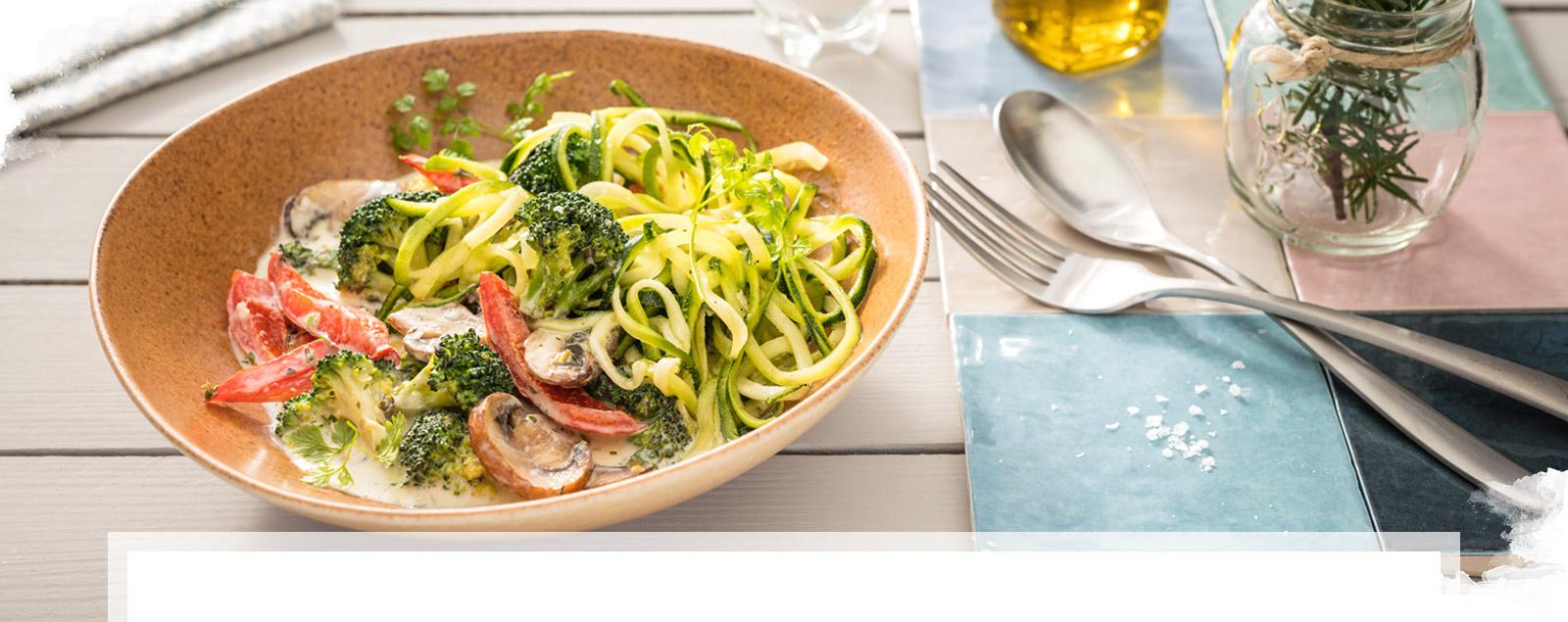 Zucchini Nudeln mit Brunch